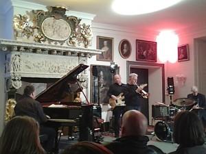 Das Qublic Rehearsal Jazz Quartet im Schloss vor Husum